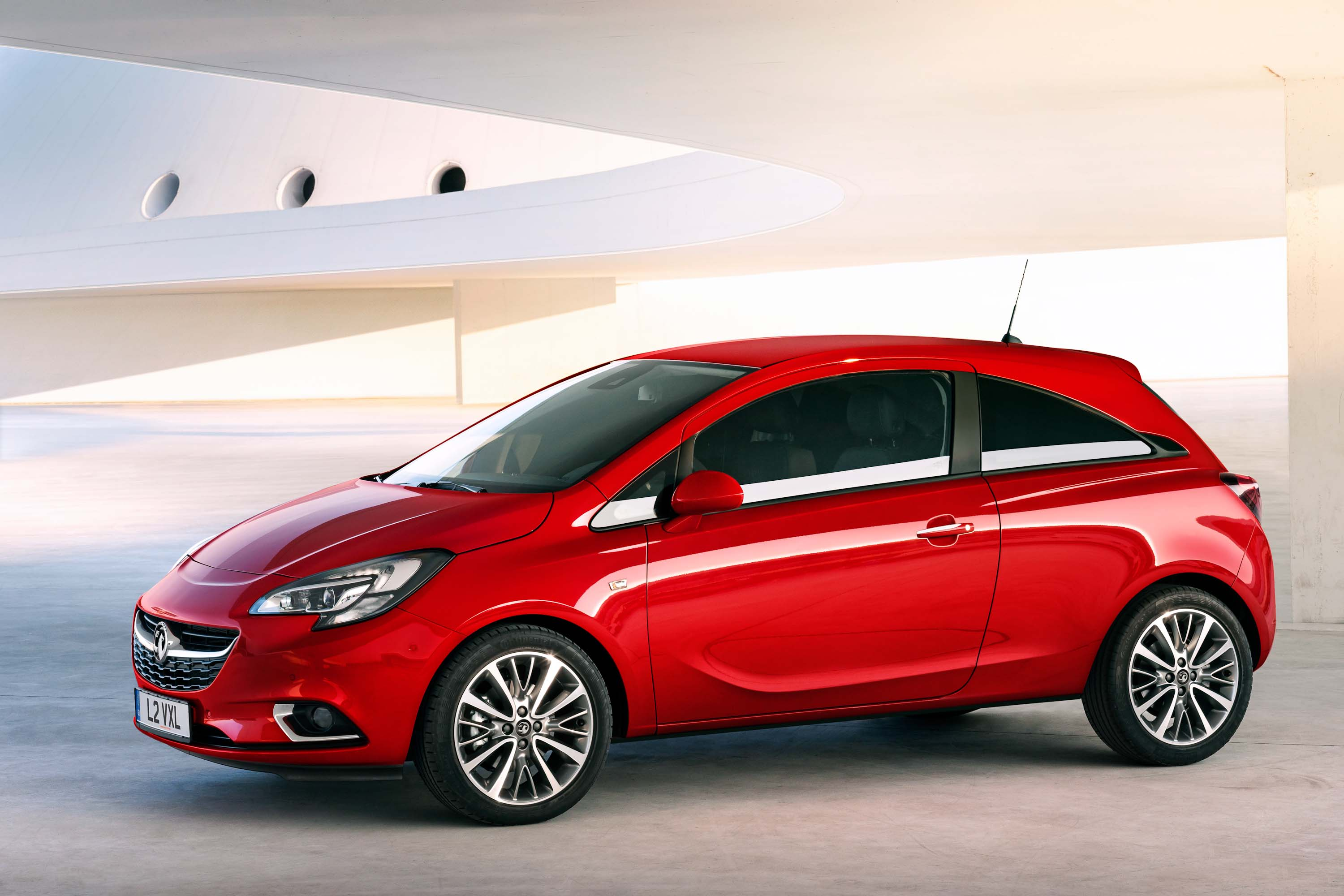 2015 opel vauxhall corsa e facelift looks sort of new is. Black Bedroom Furniture Sets. Home Design Ideas
