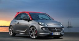 Opel Adam S: 110kW/150hp turbo standard, red roof optional