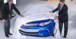 2016 Chevrolet Volt front-end teased in LA prior to Detroit debut