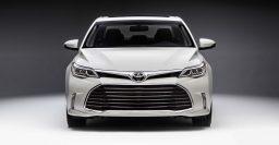 XX40 Toyota Avalon facelift is mild, sedan still handsome