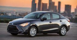 2017 Toyota Yaris iA vs Mazda 2 sedan: Photo comparison