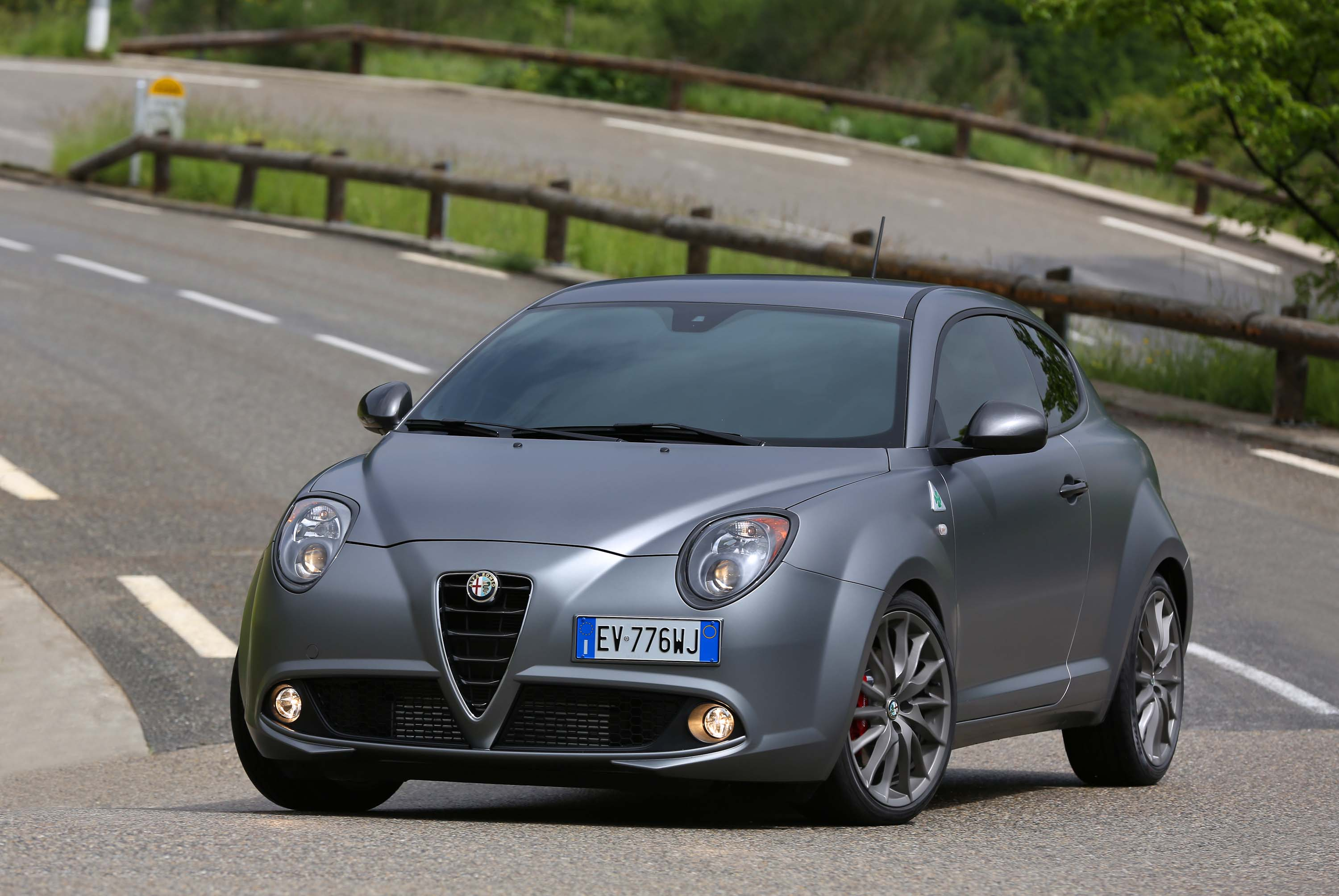 alfa romeo mito what does its name mean between the axles. Black Bedroom Furniture Sets. Home Design Ideas