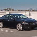 A35 Nissan Maxima sedan photo gallery