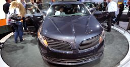 Lincoln MKS will die in 2016, replaced by Continental