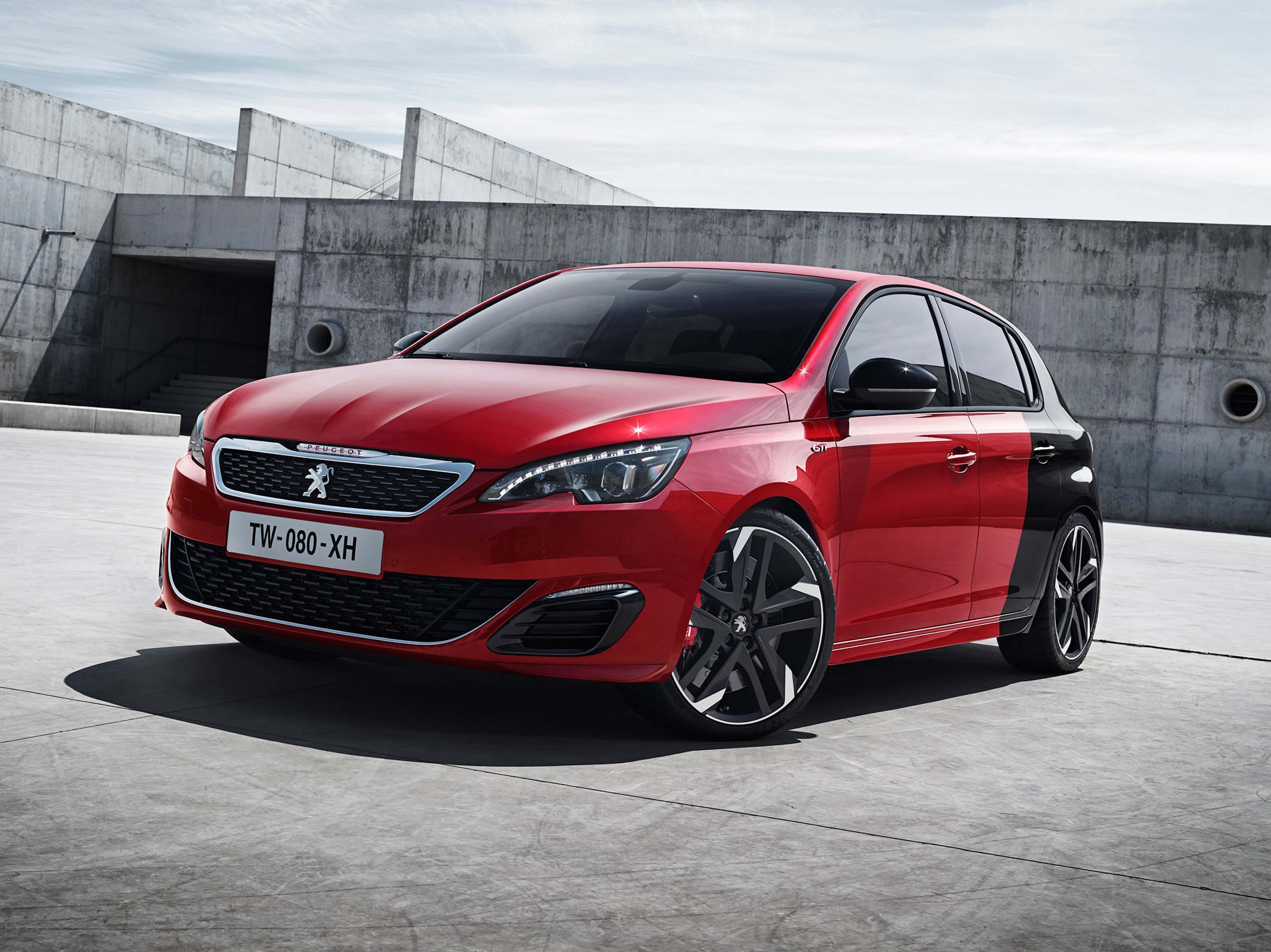 t9 peugeot 308 gti photo gallery between the axles. Black Bedroom Furniture Sets. Home Design Ideas