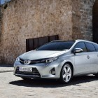 E180 Toyota Auris Touring Sports photo gallery