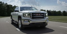 2016 GMC Sierra facelift goes long on LEDs