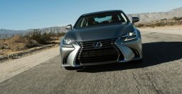 L10 Lexus GS facelift: GS200t, spindle grille in;GS250 out