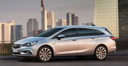 2015 Opel Astra wagon: More conventional style, more space