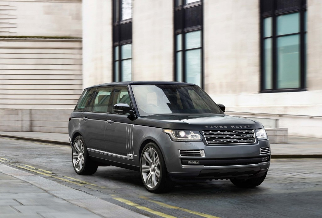 Range Rover SV Autobiography (L405, 2015) photo gallery   Between the Axles