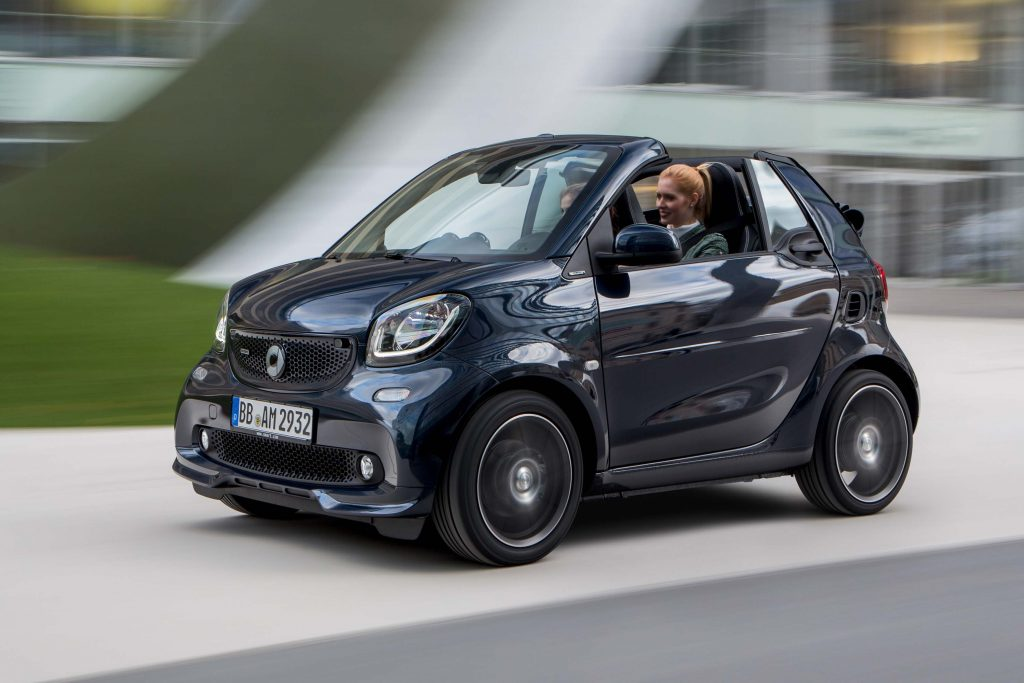smart fortwo brabus cabriolet a453 2016 photo gallery between the axles. Black Bedroom Furniture Sets. Home Design Ideas