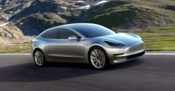 Tesla: All new cars equipped with self-driving hardware, software due later