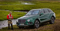 Bentley Bentayga: Leather bound fly fishing set made by Mulliner