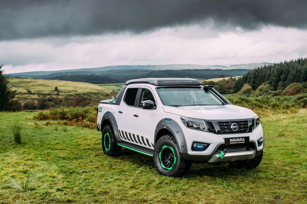 2016 nissan navara enguard concept equipped to save lives off road between the axles. Black Bedroom Furniture Sets. Home Design Ideas
