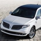 Lincoln MKT (2013-2015 facelift, D4) photos