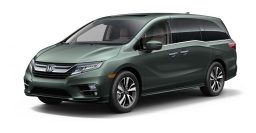 2018 Honda Odyssey: Lightning bolt, hidden door tracks, 10-speed auto