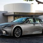 2018 Lexus LS: XF50 goes long, is sexy, emotional and is very un-Lexus-like