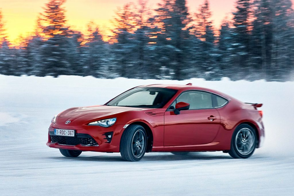 toyota gt86 2017 facelift 086a eu snow drifting. Black Bedroom Furniture Sets. Home Design Ideas