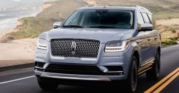 2018 Lincoln Navigator: Expedition twin with Raptor engine, unique interior