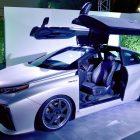 Toyota Mirai Back to the Future Time Machine (2015, 1st gen) photos