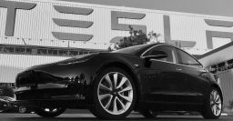 Tesla Model 3: Mid Range 260mi model launched before tax credit cut