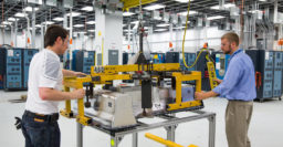 Honda and GM to develop electric car batteries together