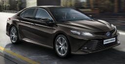 2019 Toyota Camry Hybrid: Family sedan returns to Europe