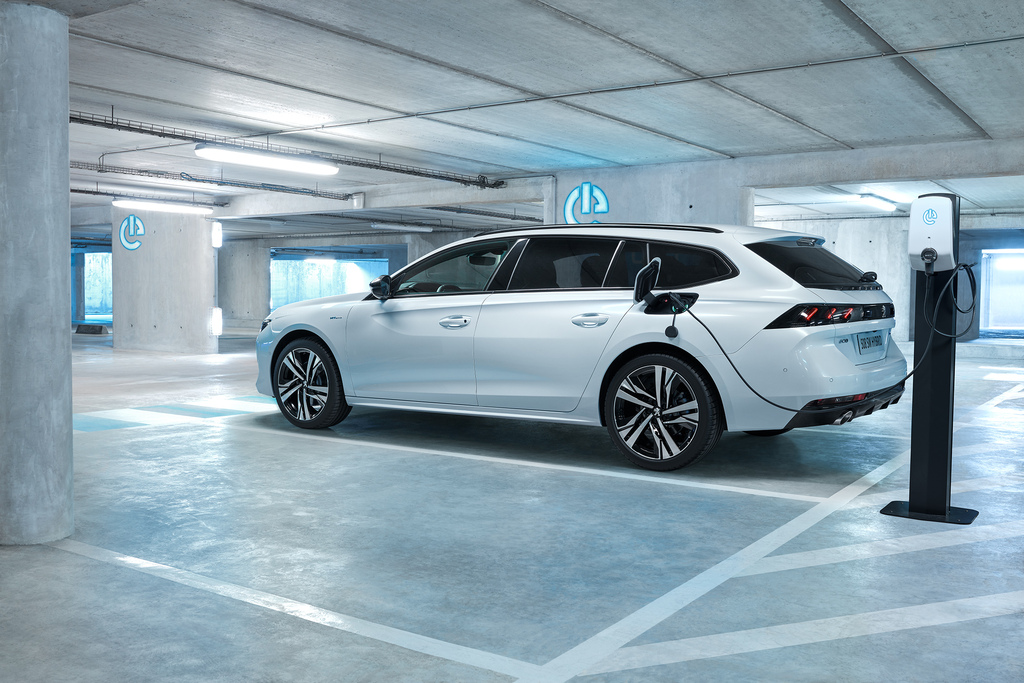 peugeot 508 hybrid sedan  u0026 estate  2019  second generation  photos