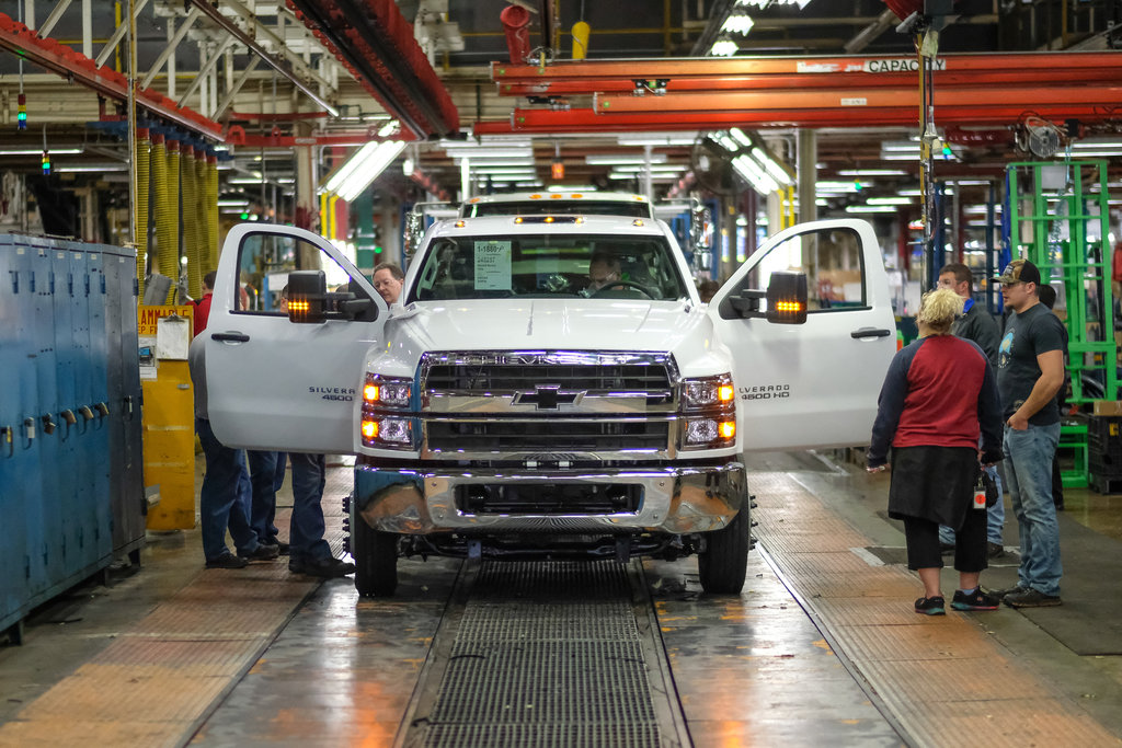 Chevrolet Silverado 4500HD/5500HD/6500HD production (2020 ...