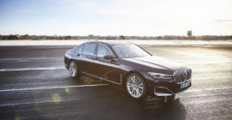 2020 BMW 745e: Plug-in hybrid now has six-cylinder engine