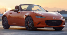76% of Mazda MX-5 buyers go manual vs. 33% of Toyota 86 buyers
