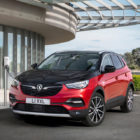 Vauxhall Grandland X Hybrid4 (2019, first generation) photos