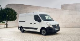2019 Renault Master ZE: Big electric van has 119km (74mi) range