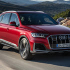 2020 Audi Q7 facelift: Squarer grille, interior from the Q8