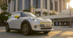 2020 Mini Cooper S E: Electric hatch has low range to match its price