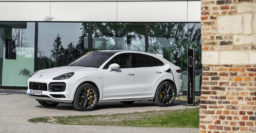 2020 Porsche Cayenne Turbo S E-Hybrid: Turbo V8 plug-in hybrid