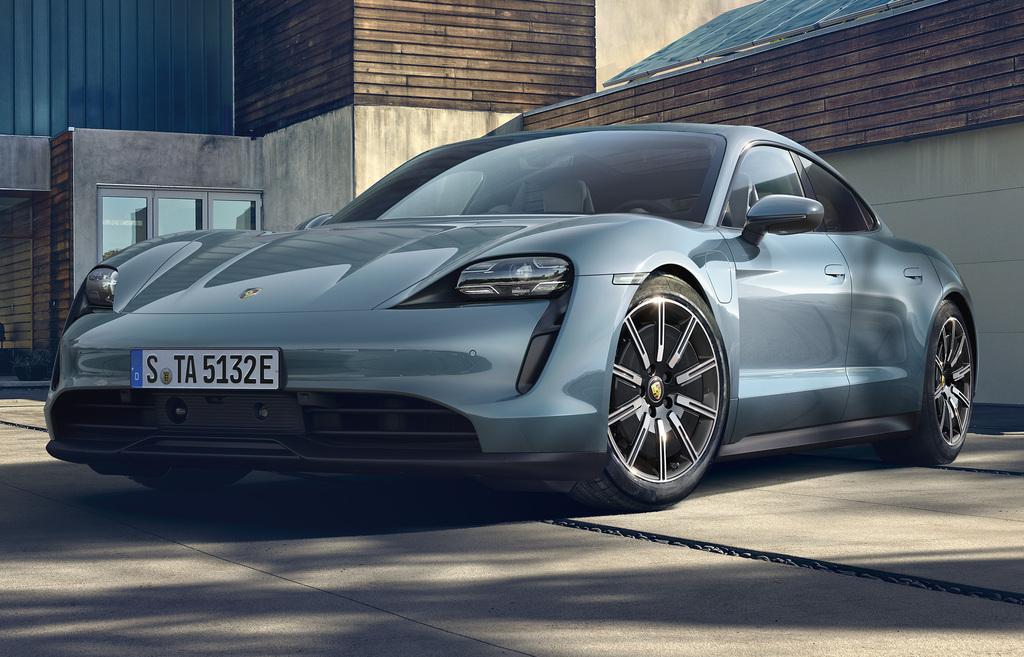 Porsche Taycan 4S (2020, first generation) photos
