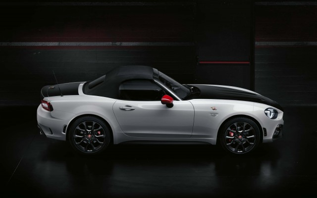 Abarth 124 Spider - side, top up
