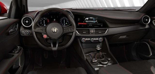 2017 Alfa Romeo Giulia Quadrifoglio - interior, dashboard