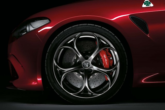 2017 Alfa Romeo Giulia Quadrifoglio - alloy wheels