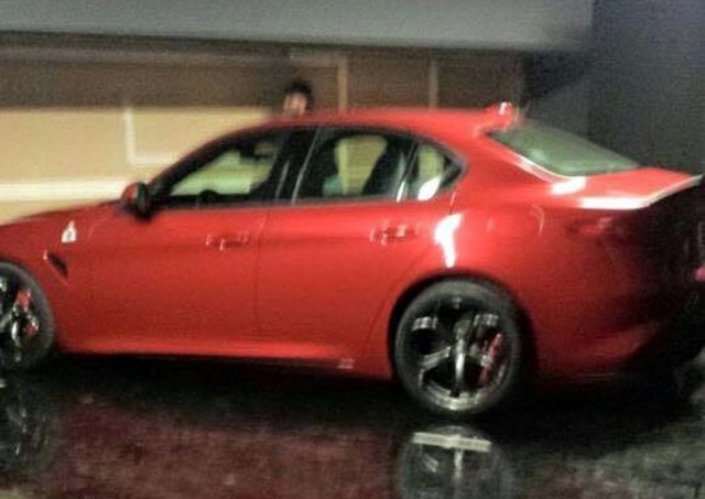 Type 952 Alfa Romeo Giulia Quadrifoglio Verde - spy photo, side