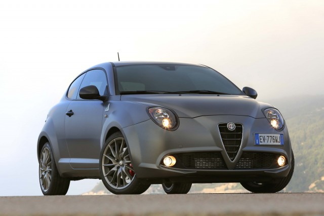 2014 Alfa Romeo Mito Quadrifoglio Verde Photo Gallery Between The