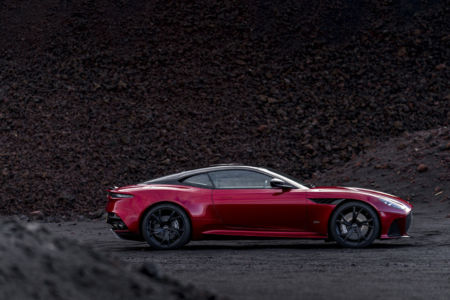 2019 Aston Martin DBS Superleggera - side