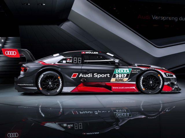 2017 Audi RS5 DTM race car  - side