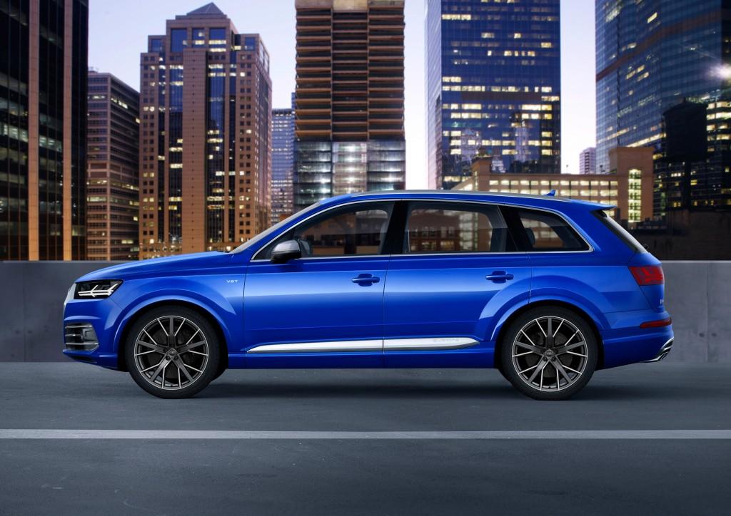 Audi SQ7 TDI (Type 4M) - side, city