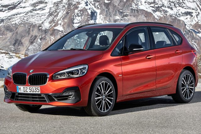 2018 F45 BMW 2 Series Active Tourer facelift - front, red