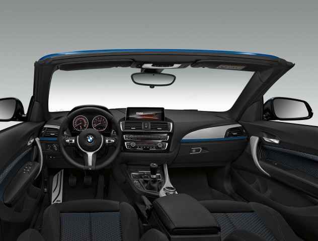 F23 BMW 2-Series convertible interior