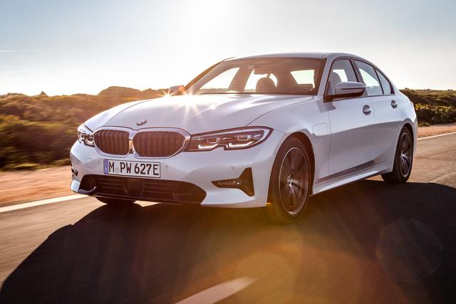2019 BMW 330e