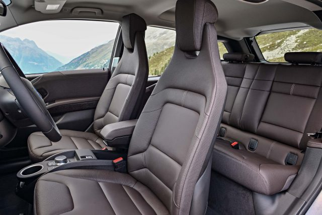 2018 BMW i3s facelift - front and rear seats