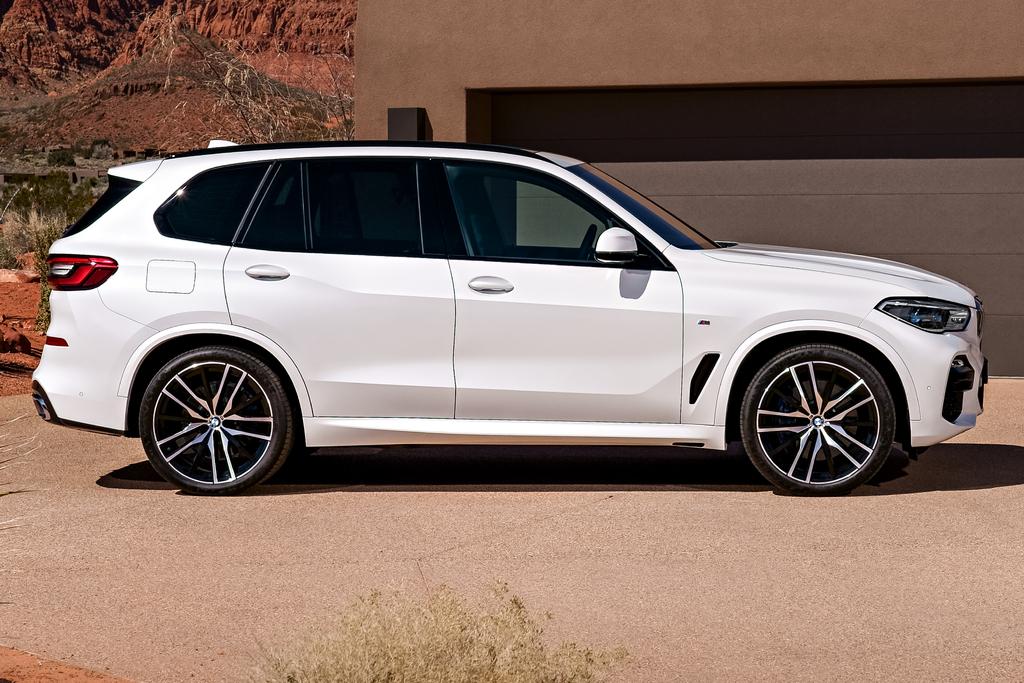 2019 BMW X5 - side, white